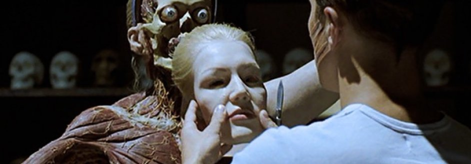 Anatomy-2000-movie-review-dissected-human-bodies-horror